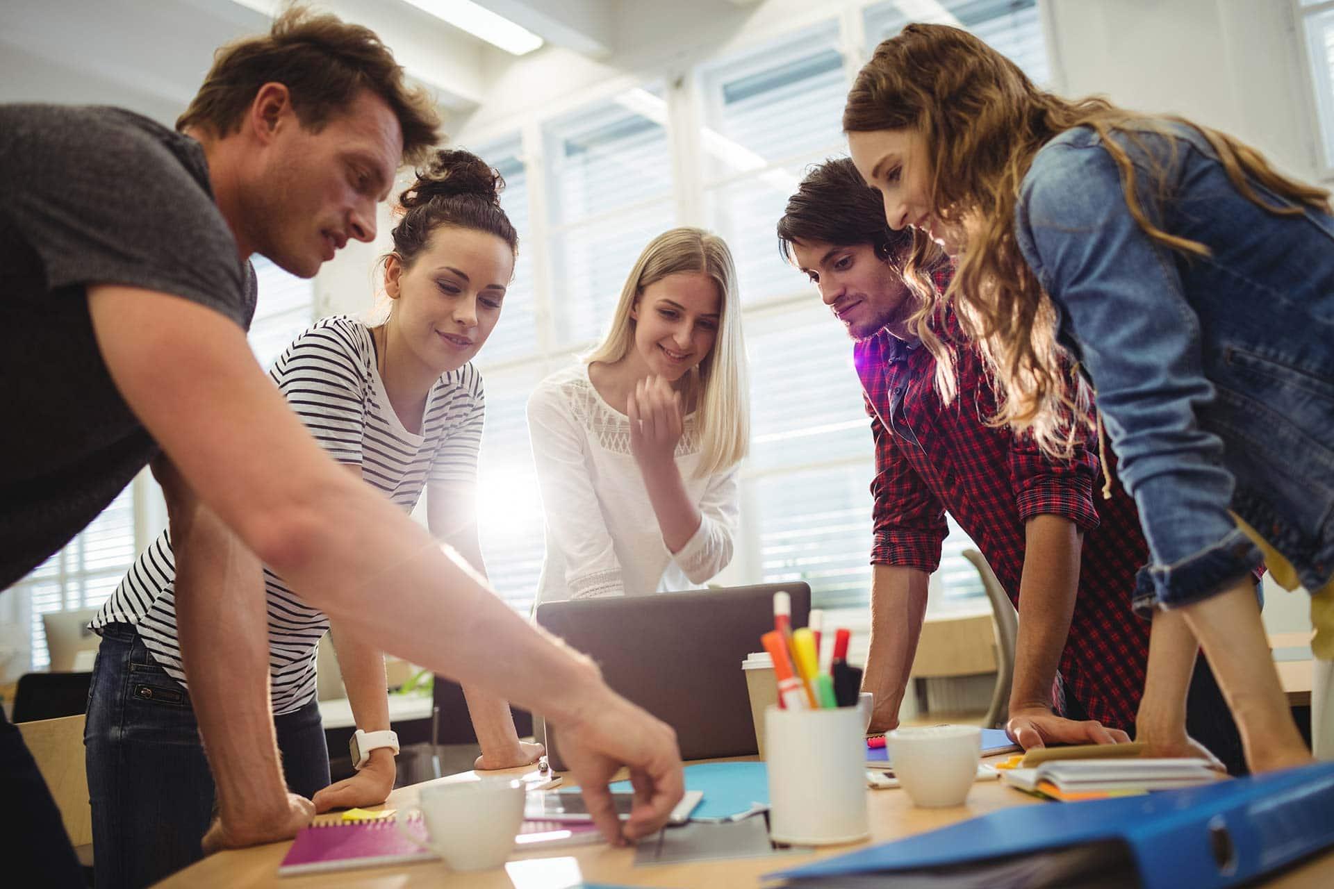 Image de couverture de: [Livre blanc] Valorisez les avantages de votre entreprise pour attirer les talents