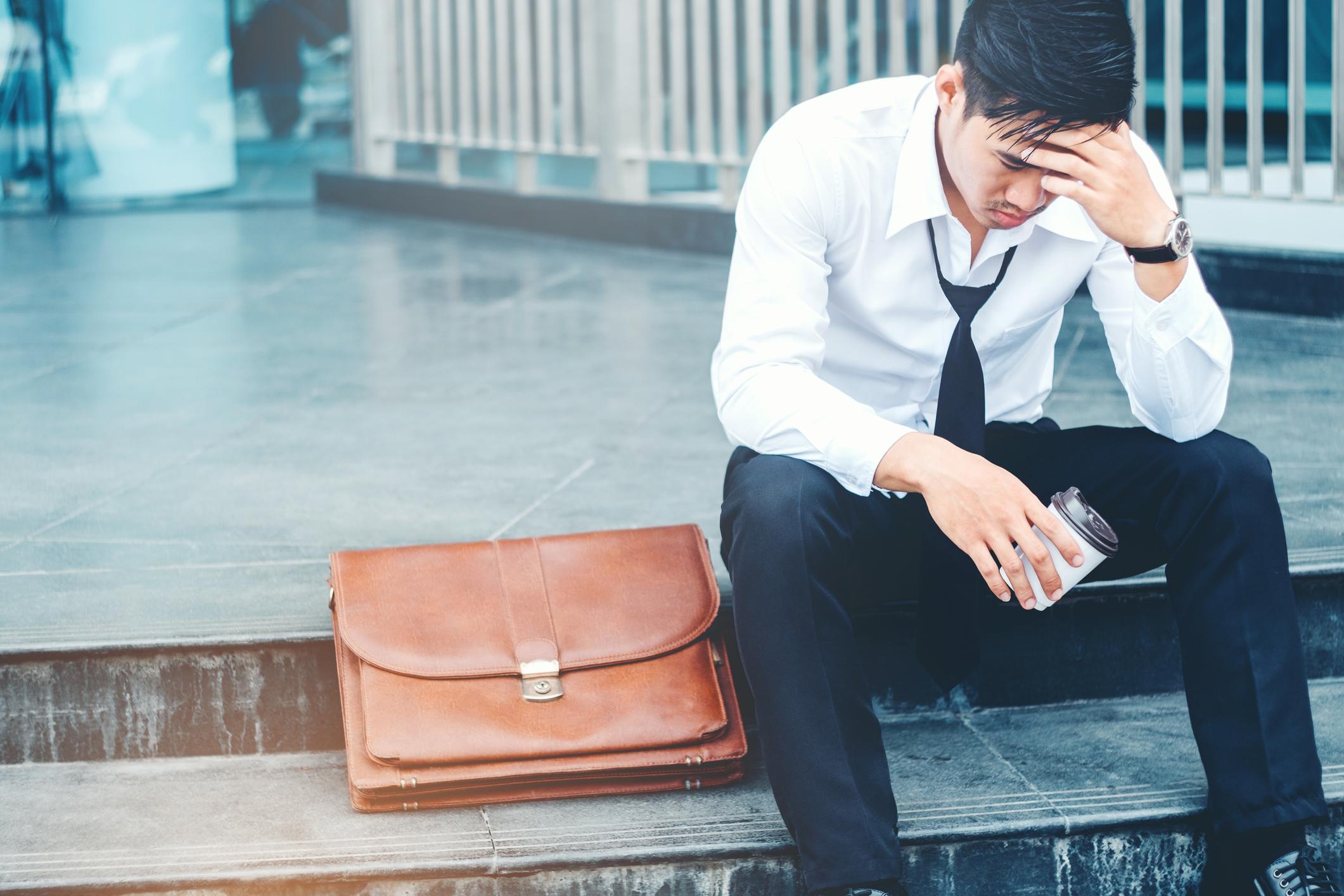 Image de couverture de: [Vidéo] Le burn-out : symptômes et solutions