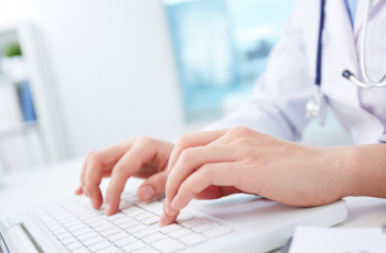 mains clavier teleconsultation